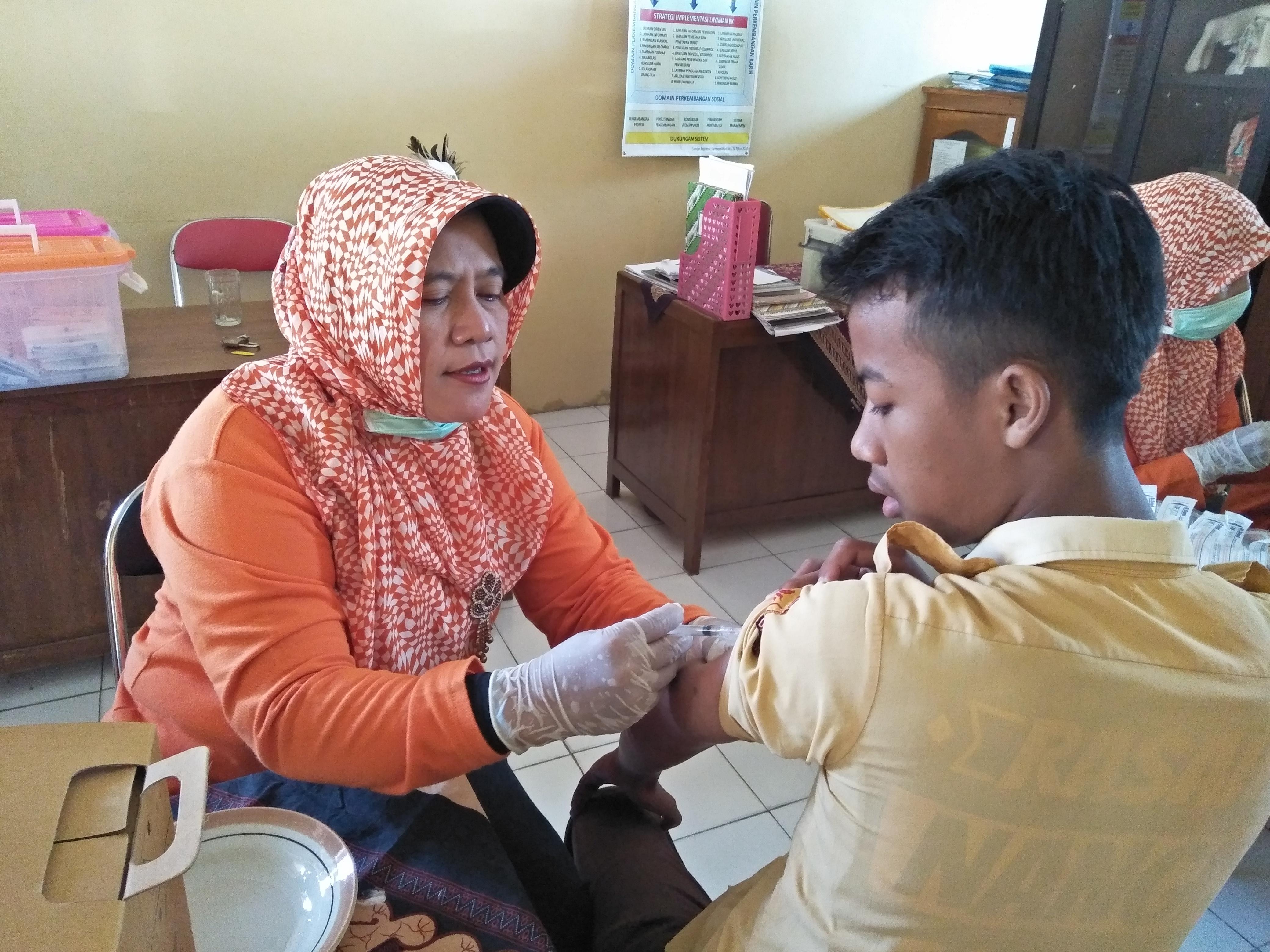 Imunisasi Rubella Untuk Siswa-siswi Madsanida